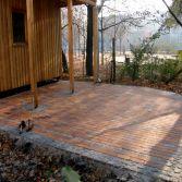 Terrasse für einen Schulgarten